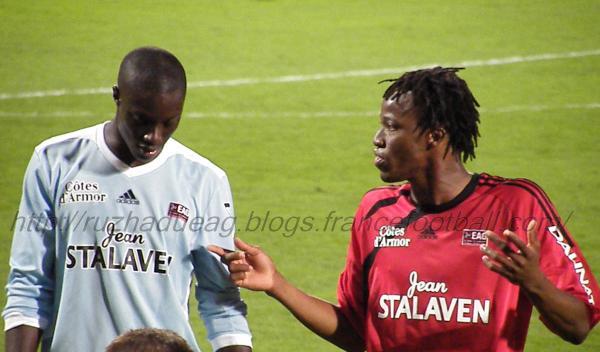 KOné et Samassa discutent